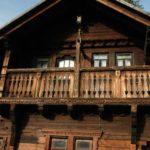 Karpaten - Rumänien - Holzbalkon am Jagdschloß