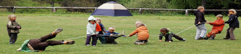 Kinder beim Tauziehen als Bild für die Vereinsmitglieder