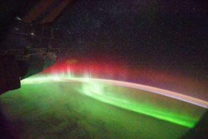 Erdmagnetfeld schwingt wie eine Trommel, Nordlichter aus dem All beobachtet