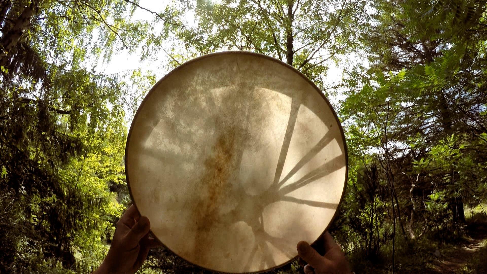 Bild aus dem Trommelbau - Video, von Olaf gebaute Trommel