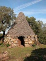 Strohgedeckte Hütte Rückzug aus dem Alltag